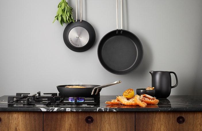 204720 204724 204728 Eva Trio Professional Frying Pans 2